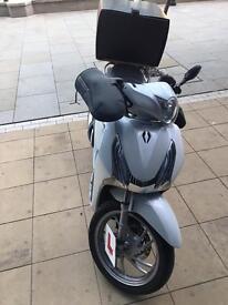 Honda Sh 125 white