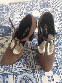 Ugo de Biasi Suede italian leather high heels