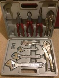 Spanner and pliers set