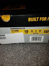 Top Range Caterpillar boots size 9