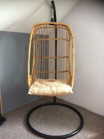 Deluxe Bamboo Hanging Chair with Black Metal Frame / stand.