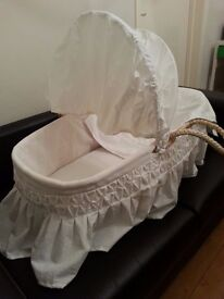 Moses basket (Almost new condition)