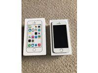 Apple iPhone 5s 16GB White Unlocked Smartphone Used
