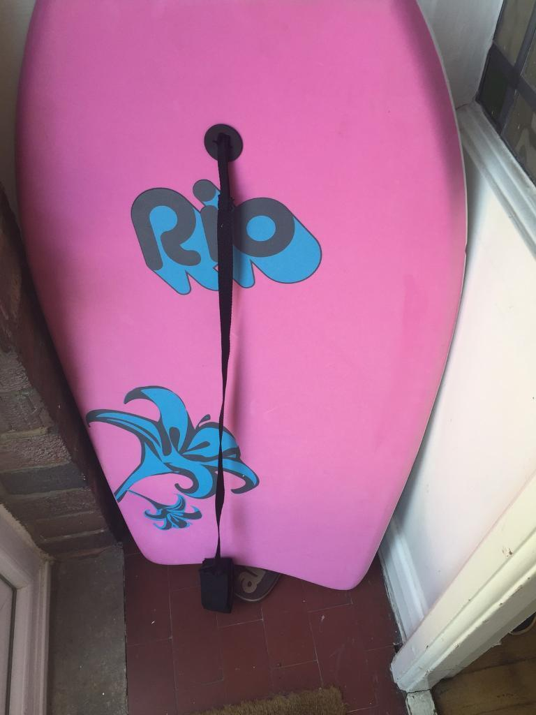 Body boardin Swindon, WiltshireGumtree - Body board. Used twice when during my wifes teenage years. Comes with strap that attaches to your ankle. Good condition, one dent in the back which should affect the use. Perfect for Summer holidays. £5