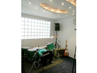 Blocks of time in recording/rehearsal/tuition studio in Camden! Ideal for teachers/producers/bands