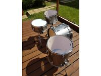 Ludwig classic maple drum kit with snare drum
