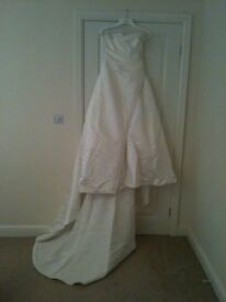 BENJIMEN ROBERTS WEDDING DRESS
