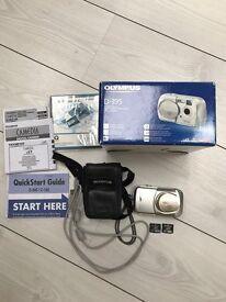 Digital Camera Olympus D-395 complete in original box