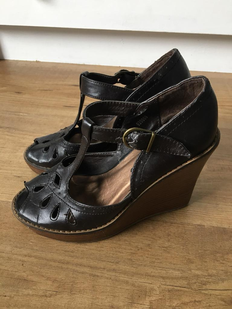 Brown wedges shoes size 3