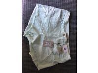 Woman's shorts BNWT size 16