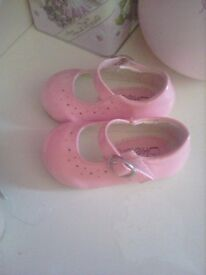 2 pairs of pink and nude size 1 baby shoes