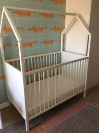 Stokke Home Cot Bed, white, second hand, very good condition