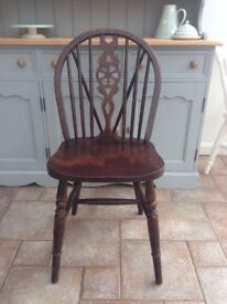6 solid wood dining chairs - excellent condition