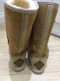 Australian ugg boots size 5 tall colour tan
