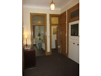 Flat To Let - Ideal Property for 2 Students... Only a 3 minute walk to Glasgow University.