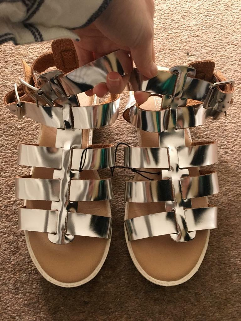 BNWT silver gladiator sandals shoes size 3