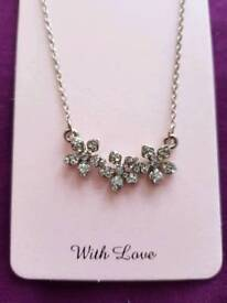 3 flower necklace.
