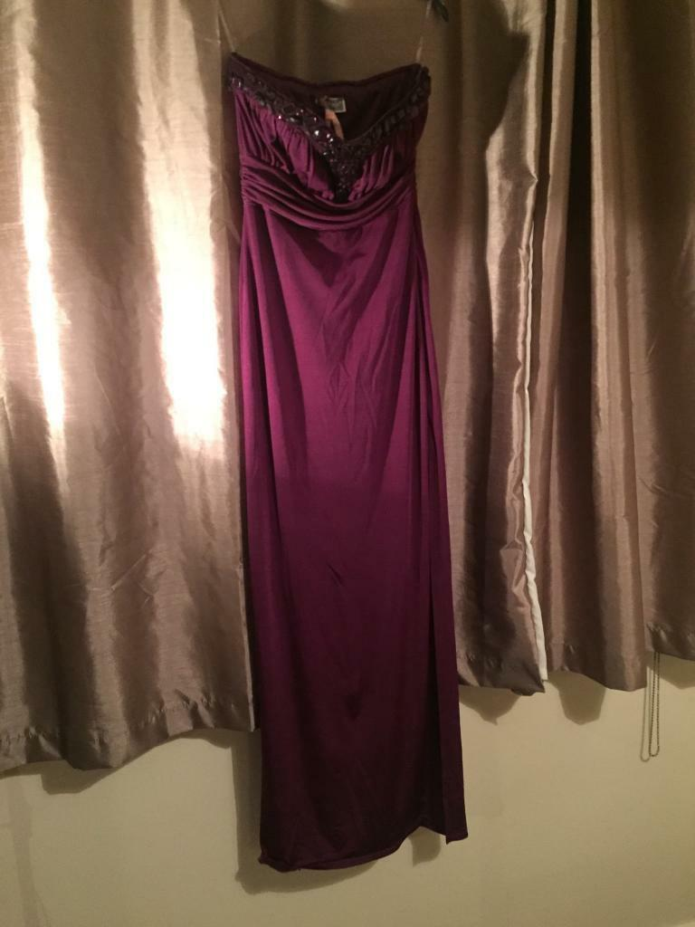 Purple lipsy dress/gown size 10in East End, GlasgowGumtree - Gorgeous purple gown/dress with pretty jewels around the neck. Worn once however no damage, stains or marks. Worn for a works event & wont wear again. Bought for £70 from lipsy