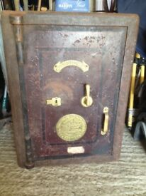 Very heavy old Safe