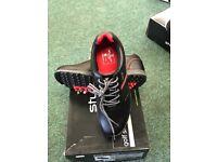 Stubart golf shoes (Brand New)