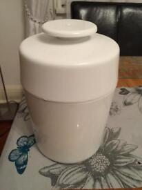 Home yogurt maker banff kit - great capacity. Used once