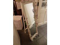 wedding table plan mirror board
