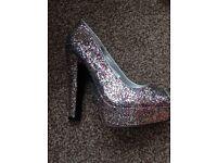 Dorthey Perkins heels