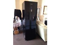 Black samsung Fridgefreezer in immaculate condition only 6 month old £175 no offers !!!