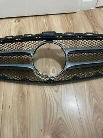 W205 premium front grille