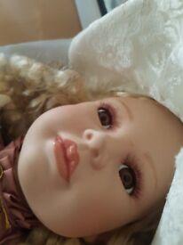 Porcelain doll/vintage porcelaine doll/pot doll