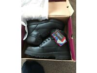 Men's steel toe cap working boots, size 8. Oil resistant brand new with labels on