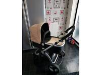 Carrycot/pushchair