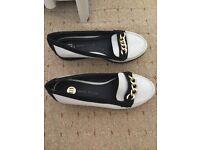 Women shoes size 2-3