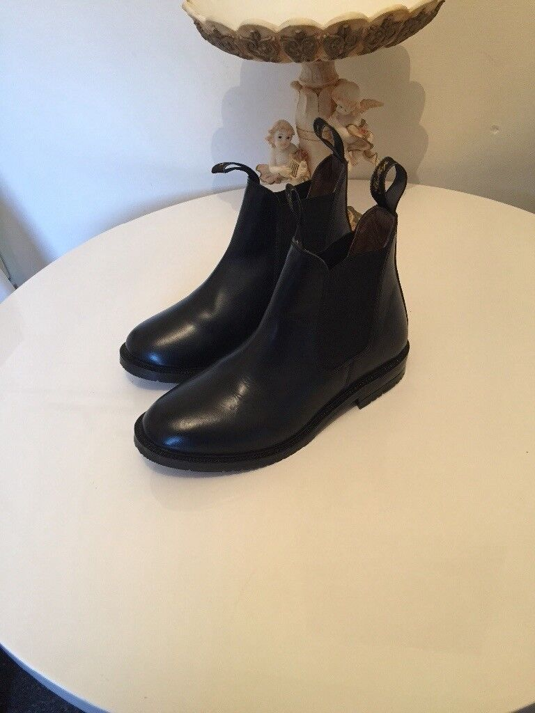 LEATHER HORSE RIDING BOOTS SIZE 5 WORN ONCE £15