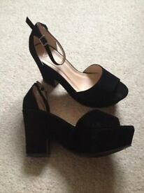 Viva velvet heel shoes
