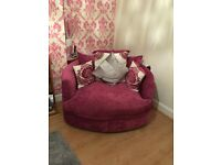Beautiful pink suite & chair great condition