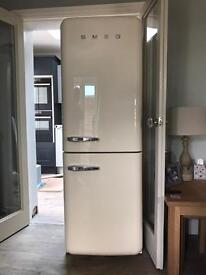 SMEG Fridge Freezer FAB32