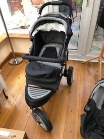 Hardly used buggy, in excellent condition includes rain cover and car seat
