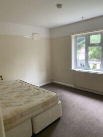2 Bed first floor flat to let in harrow with Garden