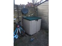 Outdoor storage box (collection only, £70 ono)