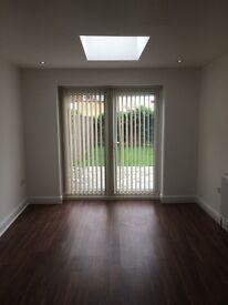 Spacious modern en-suite double bedrooms in Golders Green Estate, bills included