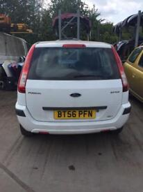 FORD FUSION 1.4 DIESEL WHITE **BREAKING FOR SPARES**