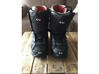 Thirty-two snowboard boots size 11uk
