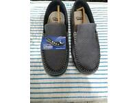 New clarks shoes size 9