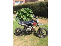 125cc stomp off ride pit / dirt bike excellent condition, kick starts first time
