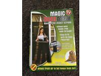 Magic door mesh. Magnetic closing mesh