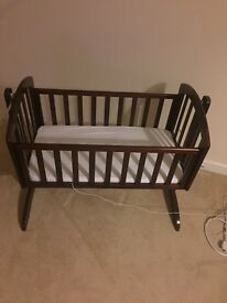 O baby Swinging Crib