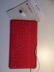 Portable keyboard for iPad/tablets