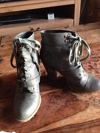 Women grey boots from Dorothy Perkins