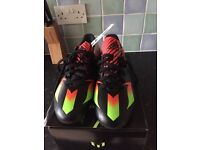 Size 8 adidas boots